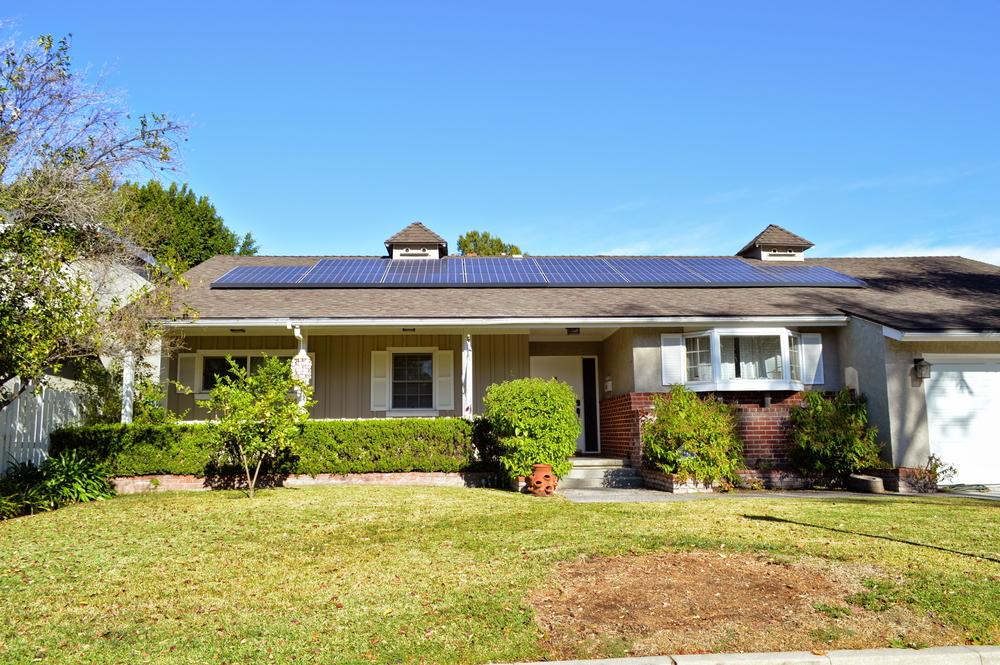 Combien de panneau pour une maison panneaux solaires for Combien coute un nettoyage de toiture
